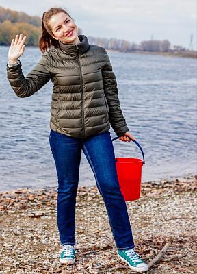 Нажмите на изображение для увеличения Название: девушка с ведром.jpg Просмотров: 5 Размер:94.1 Кб ID:549