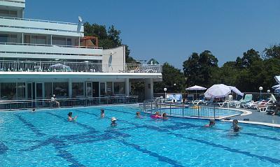 Нажмите на изображение для увеличения Название: Отель Pliska в Болгарии - бассейн.jpg Просмотров: 95 Размер:98.1 Кб ID:128